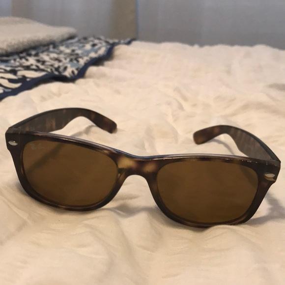 d228fcc1e51 Tortoise shell ray ban wayfarer sunglasses. M 5b1182b57386bcbc4e85ab4c